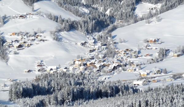 Russbach im Winterkleid